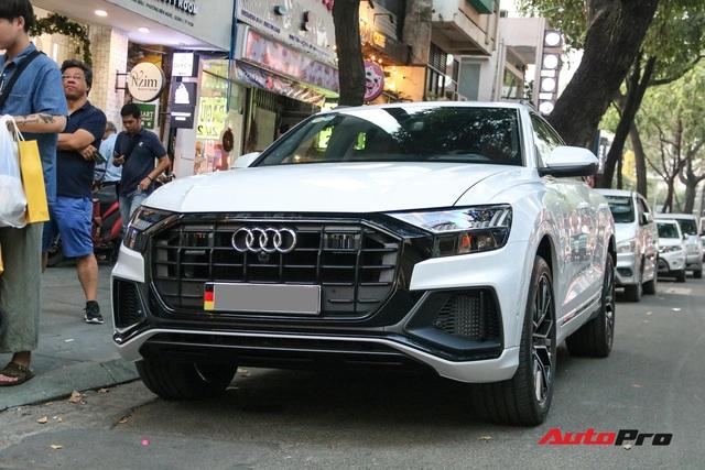 Cất siêu xe, chồng Diệp Lâm Anh xuống phố với Audi Q8 được trang bị gói phụ kiện ngàn USD - Ảnh 3.