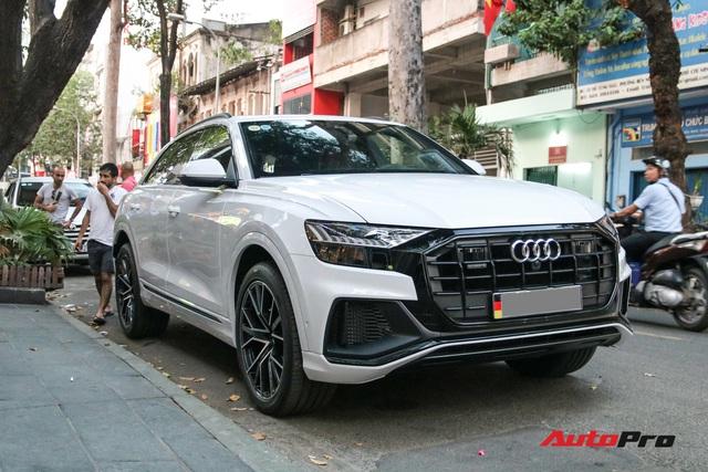 Cất siêu xe, chồng Diệp Lâm Anh xuống phố với Audi Q8 được trang bị gói phụ kiện ngàn USD - Ảnh 1.