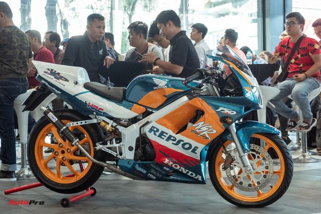 Biker Sài Gòn lột xác huyền thoại Honda NSR 150 cũ kỹ từ vài chục triệu thành bản độ hơn 200 triệu đồng nức lòng dân chơi Việt - Ảnh 5.