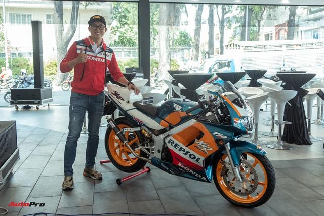 Biker Sài Gòn lột xác huyền thoại Honda NSR 150 cũ kỹ từ vài chục triệu thành bản độ hơn 200 triệu đồng nức lòng dân chơi Việt - Ảnh 3.