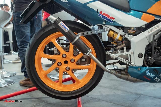 Biker Sài Gòn lột xác huyền thoại Honda NSR 150 cũ kỹ từ vài chục triệu thành bản độ hơn 200 triệu đồng nức lòng dân chơi Việt - Ảnh 8.