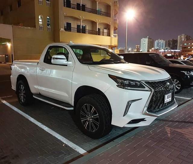 Dân chơi Hà Tĩnh lột xác Toyota Hilux thành bán tải 'Lexus LX 570' có một không hai tại Việt Nam - Ảnh 5.