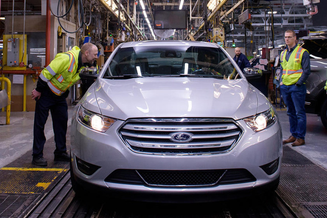 10 dòng xe đình đám bị khai tử từ 2020: Có cả Hyundai Santa Fe - Ảnh 4.