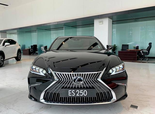 Chênh 223 triệu đồng, chọn Lexus ES 250 hay Mercedes-Benz E 200 Sport: Xe Nhật nhập khẩu đấu xe Đức lắp ráp - Ảnh 5.
