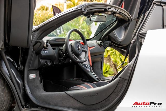 McLaren 720S Spider đầu tiên Việt Nam cập bến Đà Nẵng, nằm chung garage với một chiếc đặc biệt không kém - Ảnh 5.