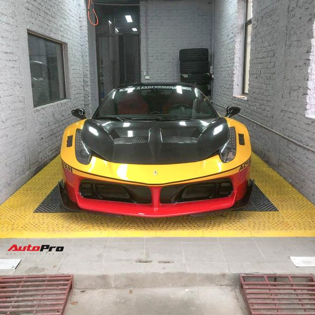 Ferrari 458 LB-Silhouette Works độc nhất Việt Nam thay 'áo' lạ đón Tết - Ảnh 1.