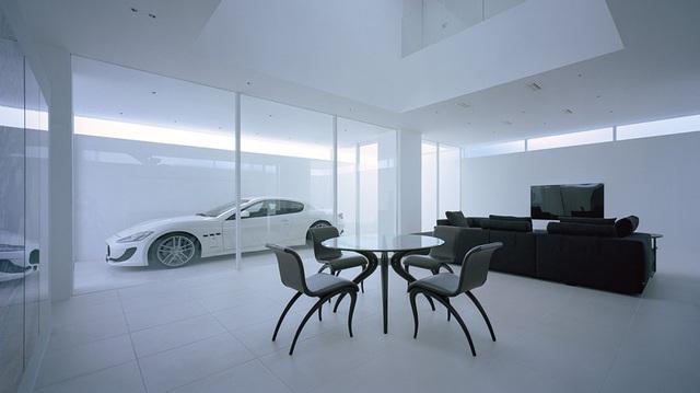 Biệt thự siêu xe cho đại gia thích giấu của: Che tất mặt tiền nhưng lộ trọn vẹn Maserati GranTurismo