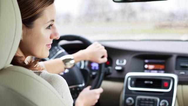 Những điều cấm kỵ khi lái xe để giữ tính mạng an toàn - Ảnh 1.
