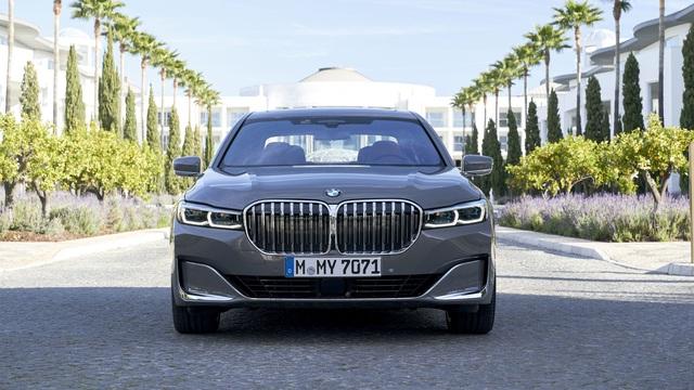 BMW nói lời cay đắng với động cơ cỡ lớn, sớm khai tử nhiều phiên bản chủ lực trên 5-Series và 7-Series