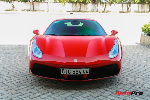Ferrari 488 GTB từng thuộc sở hữu của ông Đặng Lê Nguyên Vũ xuất hiện tại showroom Ferrari - Ảnh 2.