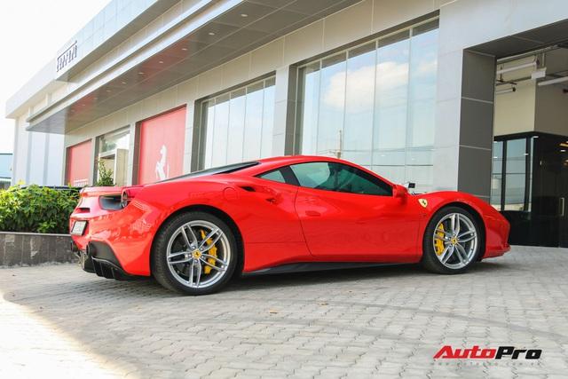 Ferrari 488 GTB từng thuộc sở hữu của ông Đặng Lê Nguyên Vũ xuất hiện tại showroom Ferrari - Ảnh 6.