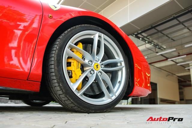 Ferrari 488 GTB từng thuộc sở hữu của ông Đặng Lê Nguyên Vũ xuất hiện tại showroom Ferrari - Ảnh 5.