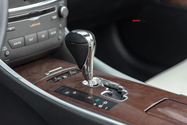 Lột xác nhờ thay đổi nhỏ, Lexus IS250C có giá bán lại 1,2 tỷ đồng sau 9 năm tuổi - Ảnh 6.
