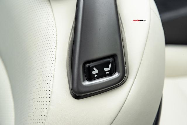 Lột xác nhờ thay đổi nhỏ, Lexus IS250C có giá bán lại 1,2 tỷ đồng sau 9 năm tuổi - Ảnh 9.