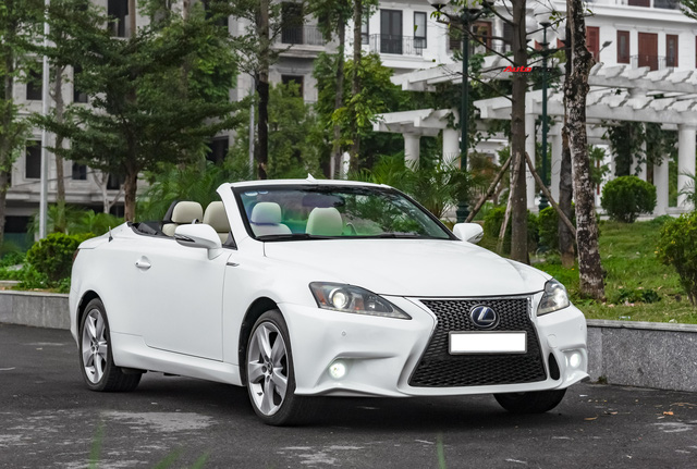Lột xác nhờ thay đổi nhỏ, Lexus IS250C có giá bán lại 1,2 tỷ đồng sau 9 năm tuổi - Ảnh 10.