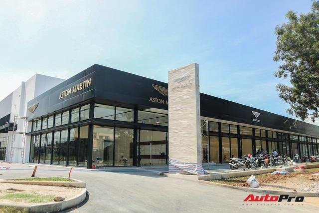 Lộ diện showroom mới của Lamborghini tại Việt Nam - Cách không xa đối thủ Ferrari - Ảnh 1.
