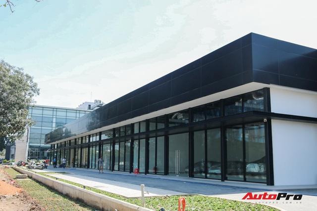 Lộ diện showroom mới của Lamborghini tại Việt Nam - Cách không xa đối thủ Ferrari - Ảnh 2.