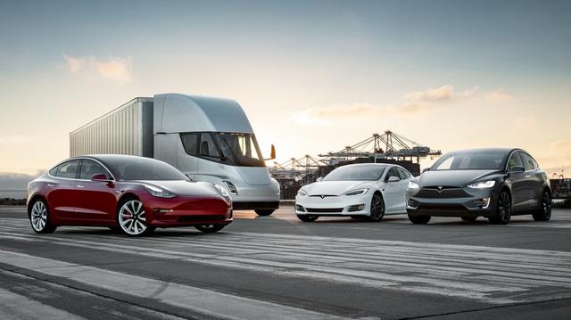 """Giống như mẫu xe nào đó thiếu chắn bùn nhưng Tesla gây cười vì cung cấp trang bị này với tên gọi """"Kit bảo vệ mọi thời tiết"""""""