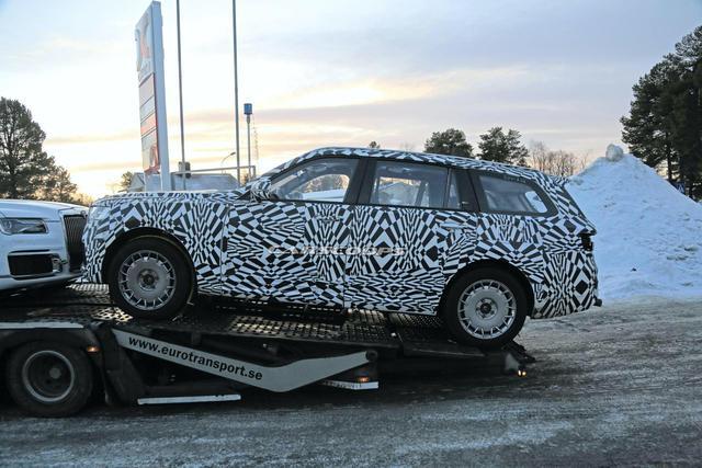 Sau sedan, Rolls-Royce nước Nga làm SUV đấu hẳn Cullinan - Ảnh 1.