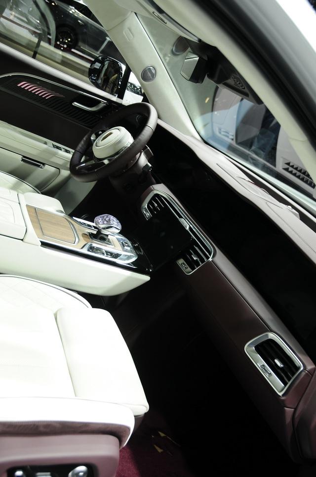 Ra mắt Maybach S-Class kéo dài của Trung Quốc Hongqi H9+: Pha trộn cả Mercedes, Bentley và Rolls-Royce - Ảnh 5.