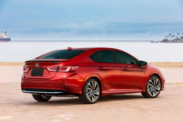 Honda Civic thế hệ mới giống Accord, bỏ đèn hậu hình boomerang - Ảnh 4.