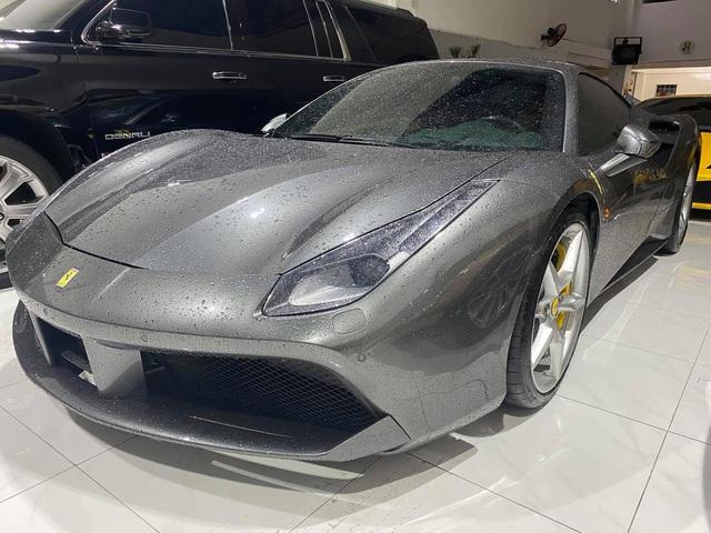 Doanh nhân Hải Phòng chia tay Ferrari 488 GTB màu xám đầu tiên về Việt Nam, màu sơn ngoại thất là chi tiết dễ gây nhầm lẫn - Ảnh 2.