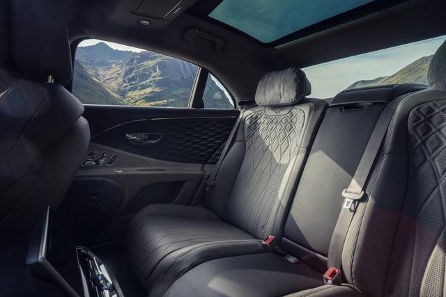 Bentley Flying Spur thêm bản giá mềm mà các đại gia Việt yêu thích gần đây - Ảnh 6.