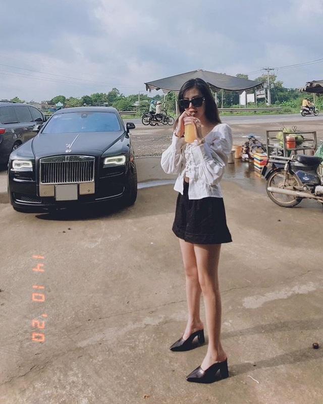 Gái xinh đọ dáng với Rolls-Royce, dân mạng hỏi thăm nhiệt tình hóa ra... là chụp ké - Ảnh 2.