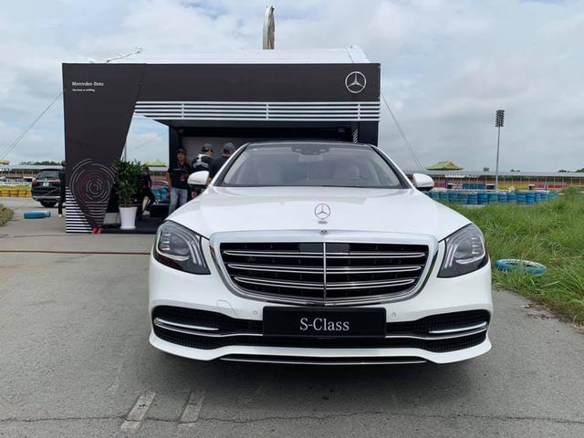 Mercedes-Benz S-Class 2020 nâng cấp trước khi thế hệ mới về Việt Nam, giá vẫn từ 4,3 tỷ đồng - Ảnh 1.