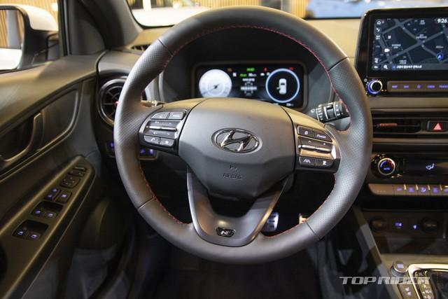 Chi tiết Hyundai Kona 2021 ngoài đời thực: Bóng bẩy hơn, đối thủ thực sự của hiện tượng Kia Seltos sẽ sớm về Việt Nam - Ảnh 8.