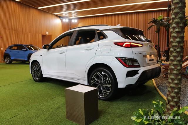 Chi tiết Hyundai Kona 2021 ngoài đời thực: Bóng bẩy hơn, đối thủ thực sự của hiện tượng Kia Seltos sẽ sớm về Việt Nam - Ảnh 4.