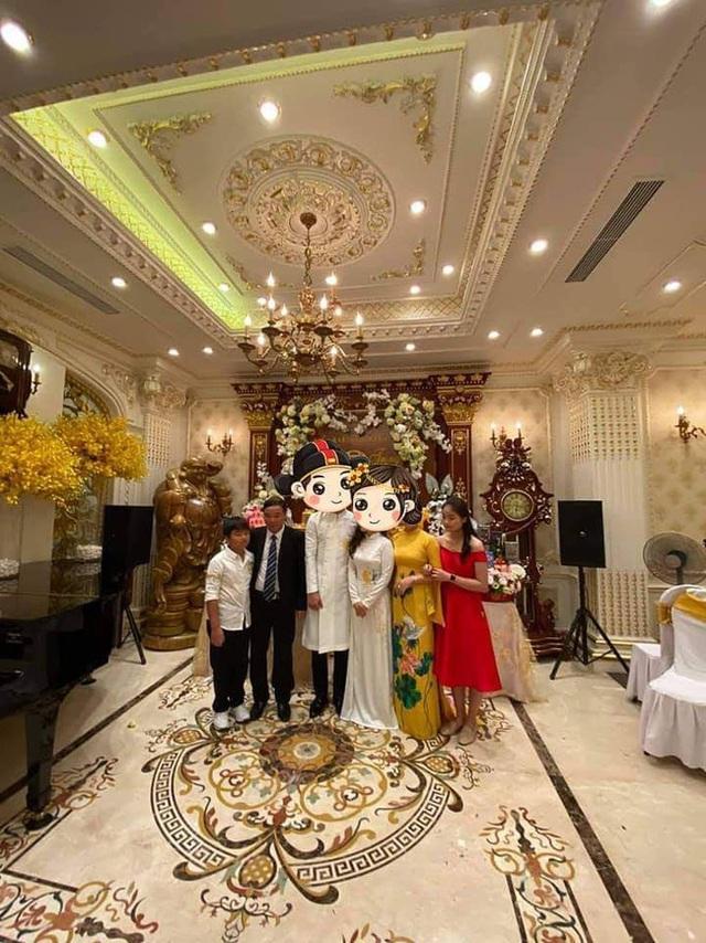 Choáng với đám cưới trong lâu đài dát vàng tại Tuyên Quang, đón dâu bằng xe Rolls Royce chiếm ngay spotlight trên mạng xã hội - Ảnh 1.