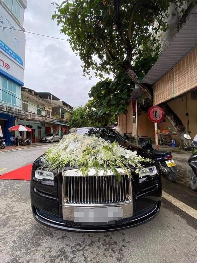 Choáng với đám cưới trong lâu đài dát vàng tại Tuyên Quang, đón dâu bằng xe Rolls Royce chiếm ngay spotlight trên mạng xã hội - Ảnh 6.