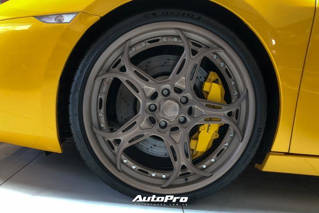 Lamborghini Gallardo từng của doanh nhân Nguyễn Quốc Cường trở nên khác lạ với bộ mâm gần 400 triệu đồng - Ảnh 3.