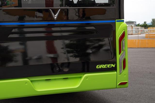 VinFast công bố xe buýt điện đầu tiên: Sạc đầy 2 tiếng, đi được 220-260 km, wifi, giá vé 3.000-10.000 đồng/lượt - Ảnh 4.