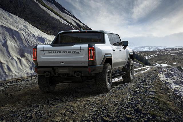 7 tính năng hot trên GMC Hummer EV: Có khả năng bò ngang như cua - Ảnh 6.