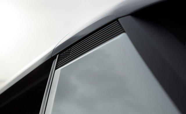 Đèn pha hiển thị sạc pin và 6 bí mật thú vị ẩn giấu trên GMC Hummer mới - Ảnh 3.