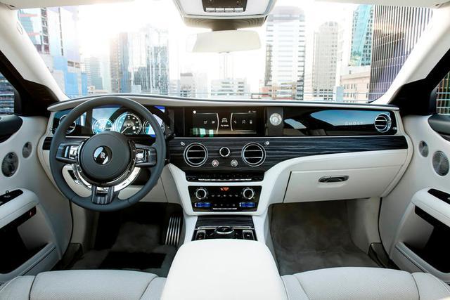 Chuyện ngược đời: Rolls-Royce phải tạo thêm tiếng ồn vì nội thất quá yên tĩnh - Ảnh 2.