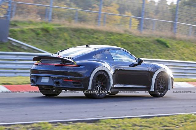 Porsche 911 gầm cao bí ẩn bất ngờ được bắt gặp chạy thử - Ảnh 2.