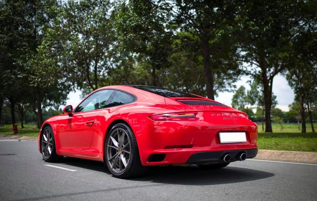 3 năm tuổi, Porsche 911 Carrera bán lại chỉ rẻ hơn 200 triệu đồng so với giá mua mới - Ảnh 2.