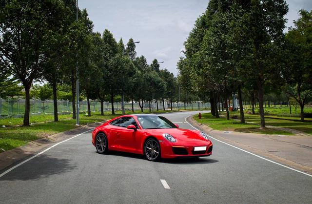 3 năm tuổi, Porsche 911 Carrera bán lại chỉ rẻ hơn 200 triệu đồng so với giá mua mới - Ảnh 5.