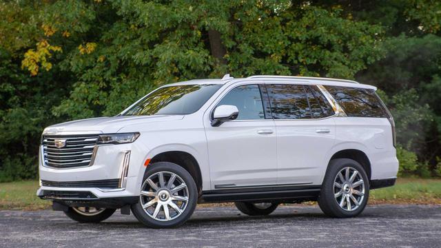 Thử thách cầm lái Cadillac Escalade đời mới khi bịt kín kính chắn gió trước: Thế mới thấy đáng tiền như thế nào