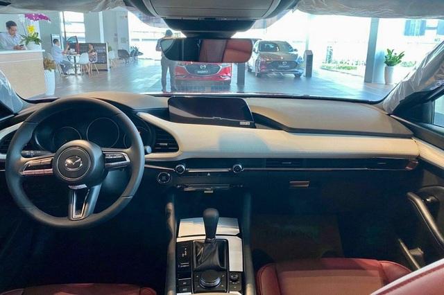 Mazda3 thêm phiên bản đặc biệt tại Việt Nam: Giá 869 triệu đồng, sản xuất giới hạn chỉ 40 chiếc - Ảnh 4.