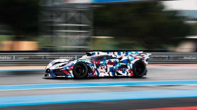 'Siêu xe điên rồ' của Bugatti lộ mặt, ra mắt ngay ngày mai