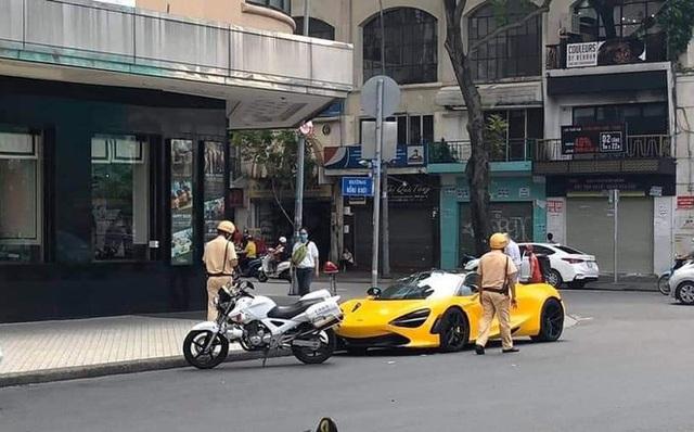 Siêu xe mui trần McLaren 720S Spider màu vàng ở Sài Gòn bị tạm giữ để chờ xác minh biển số