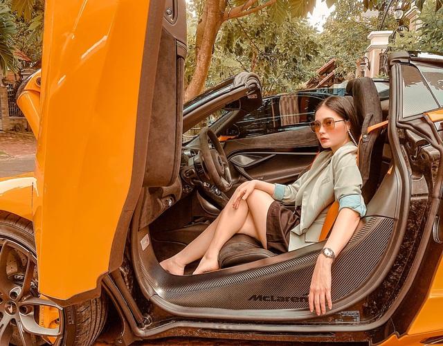Nữ ca sĩ Đoàn Di Băng được chồng tặng hẳn siêu xe McLaren 720S Spider, không quên đề cập tới chuyện thiện nguyện tại thời điểm này - Ảnh 3.