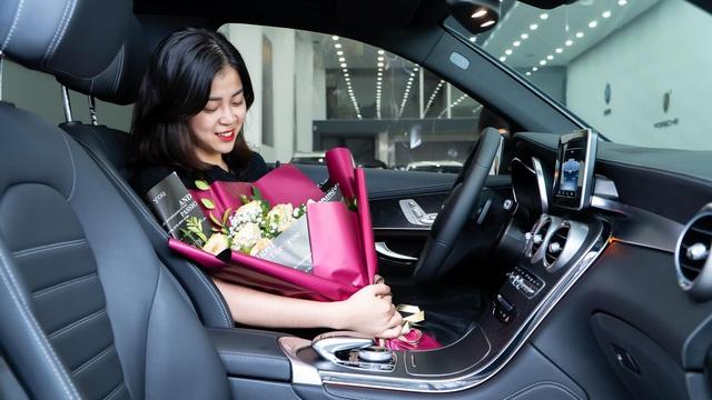 Nữ sinh 2001 tậu Mercedes-Benz GLC 300, cư dân mạng trầm trồ ghen tị: Đã xinh còn đi xe đẹp - Ảnh 3.