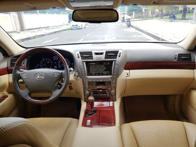 Kì công nâng cấp diện mạo, Lexus LS 460L vẫn bán lại rẻ hơn đàn em Toyota Camry 2020 - Ảnh 4.