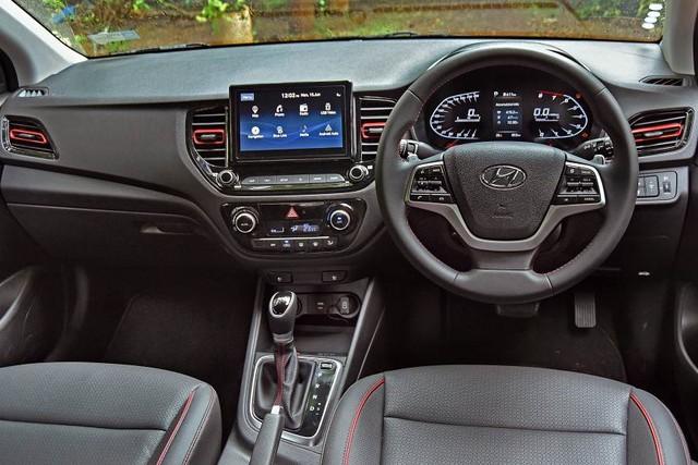 Hyundai Accent 2020 lộ diện chạy thử tại Việt Nam: Thiết kế điệu đà, sắp ra mắt phủ đầu Toyota Vios - Ảnh 6.