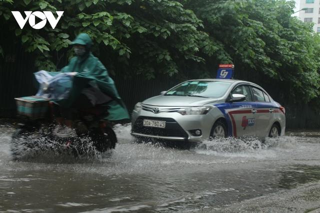 Đi xe máy mùa mưa bão cần lưu ý điều gì?  - Ảnh 3.